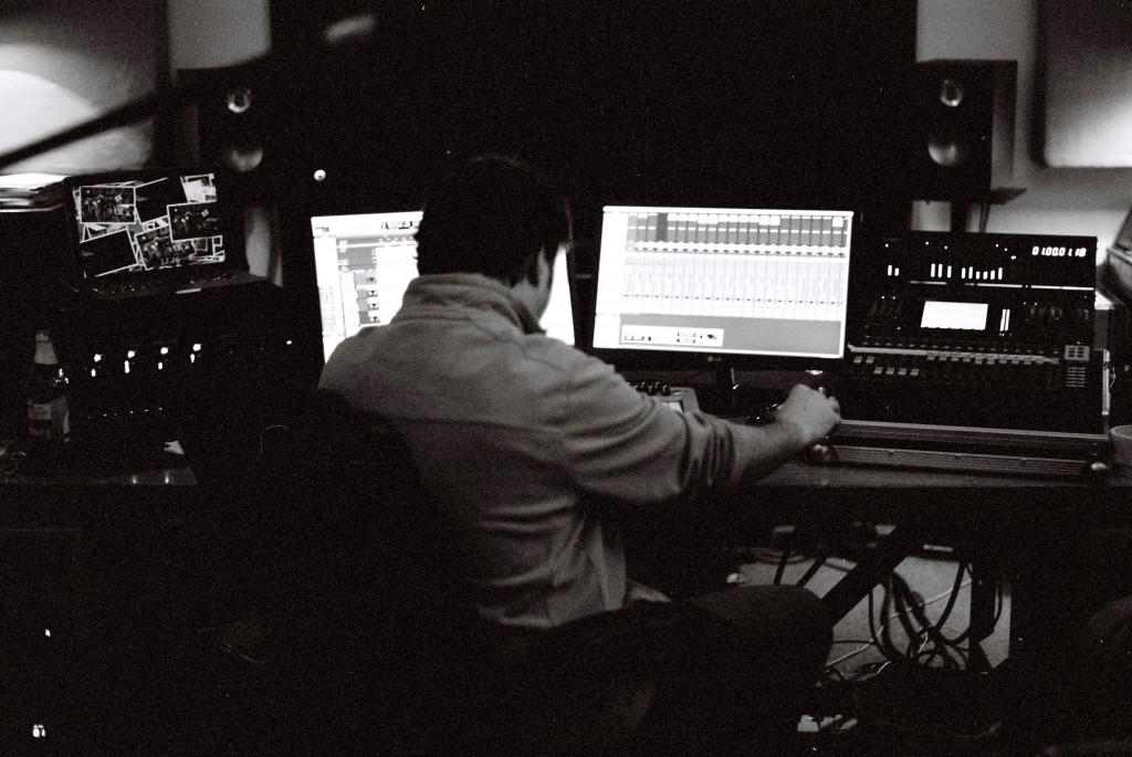 Niall Acott mixing